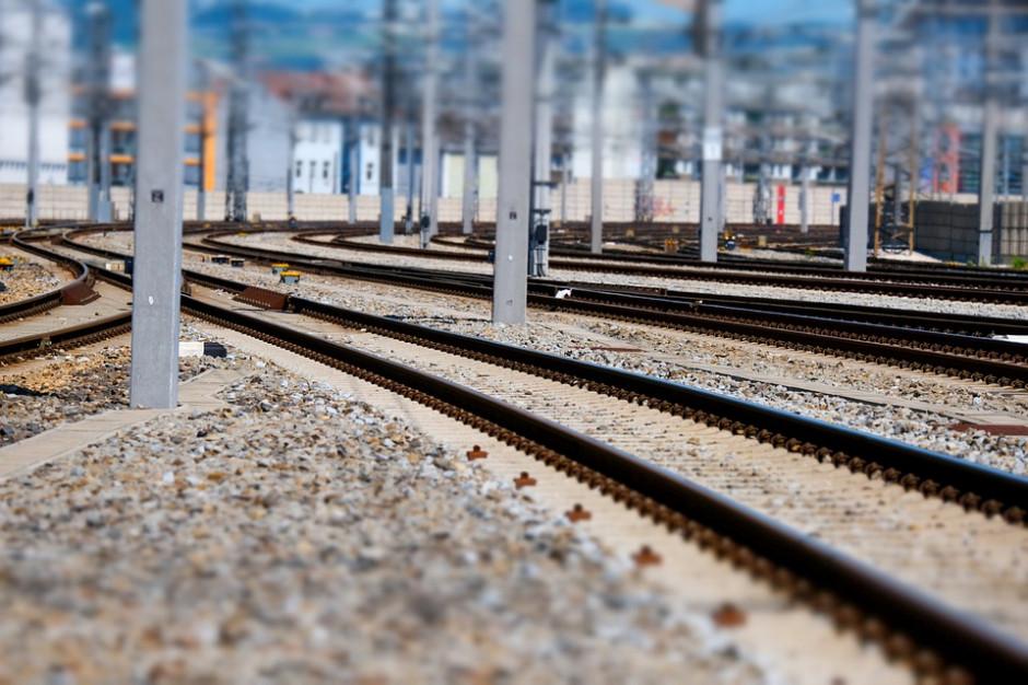 676 mln euro na poprawę infrastruktury kolejowej i drogowej. Które regiony zyskają najwięcej?