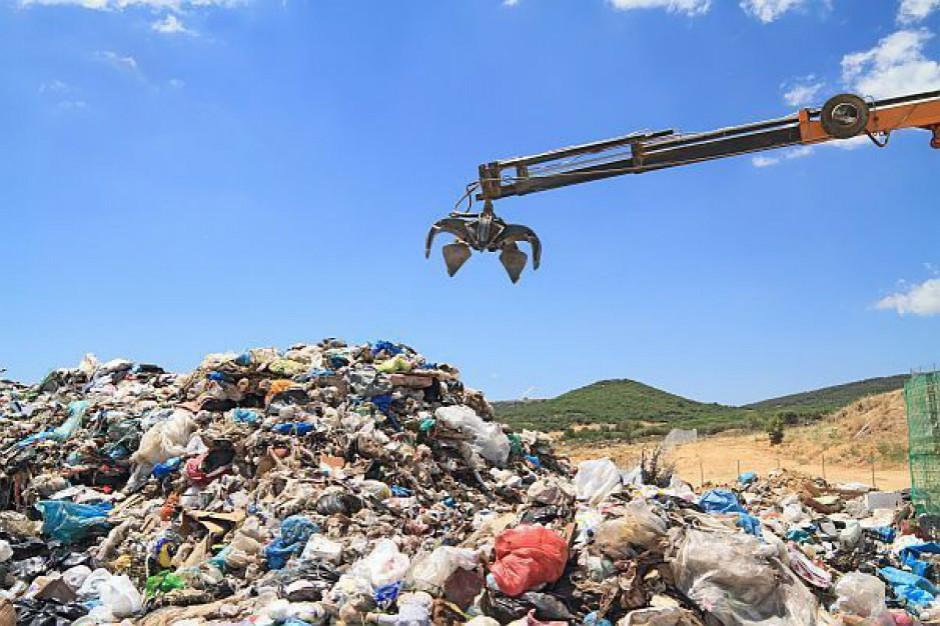 Marszałek prowadzi kontrolę w sortowni śmieci na Siekierkach