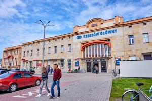 100 mln zł na lepsze połączenie kolei z komunikacją miejską