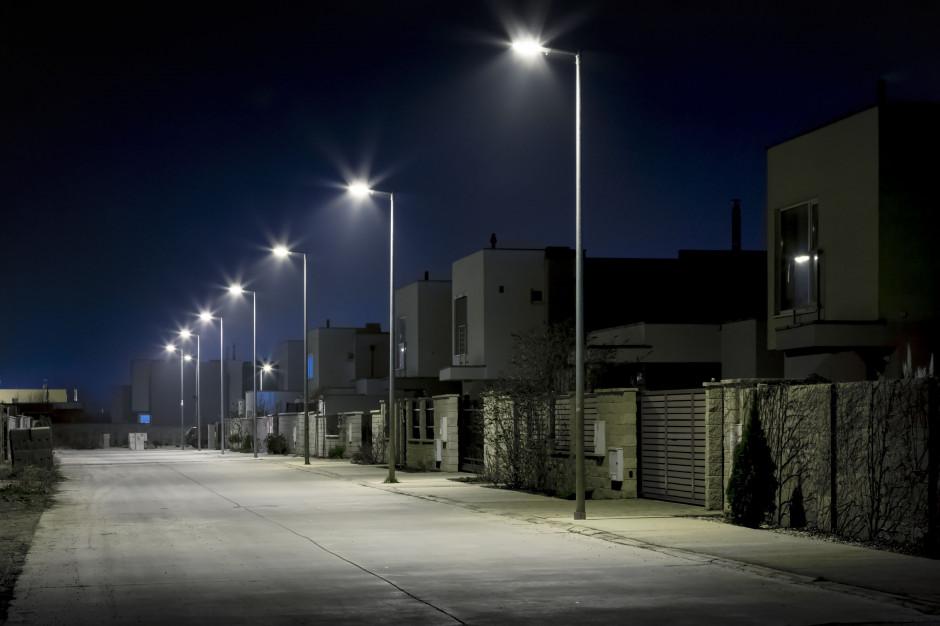 19 gmin podpisało umowy na modernizację oświetlenia