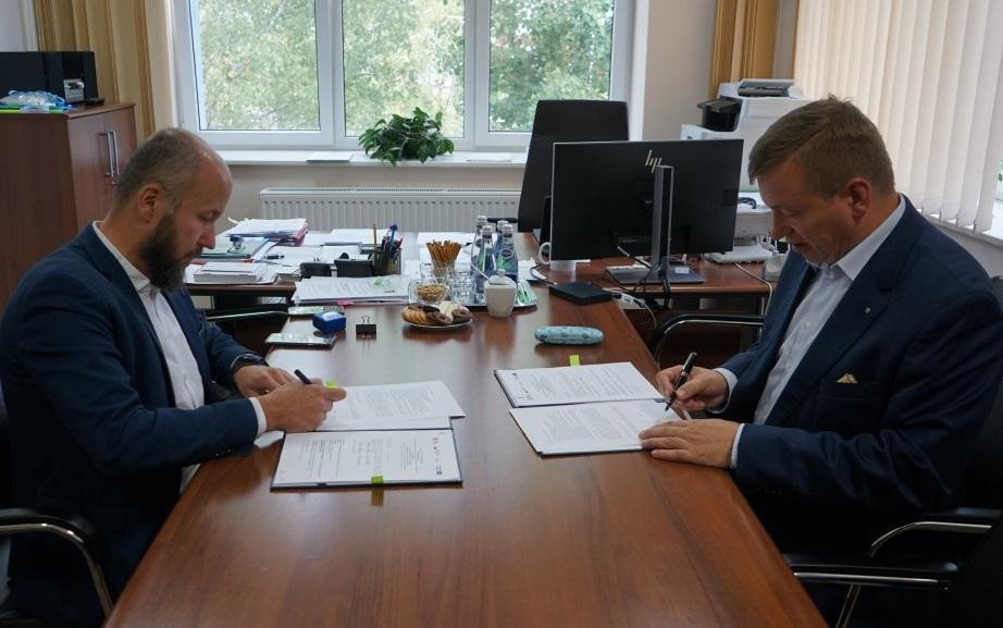 Umowę na dofinansowanie inwestycji podpisano w czwartek, 19 września (fot. UMWZ)