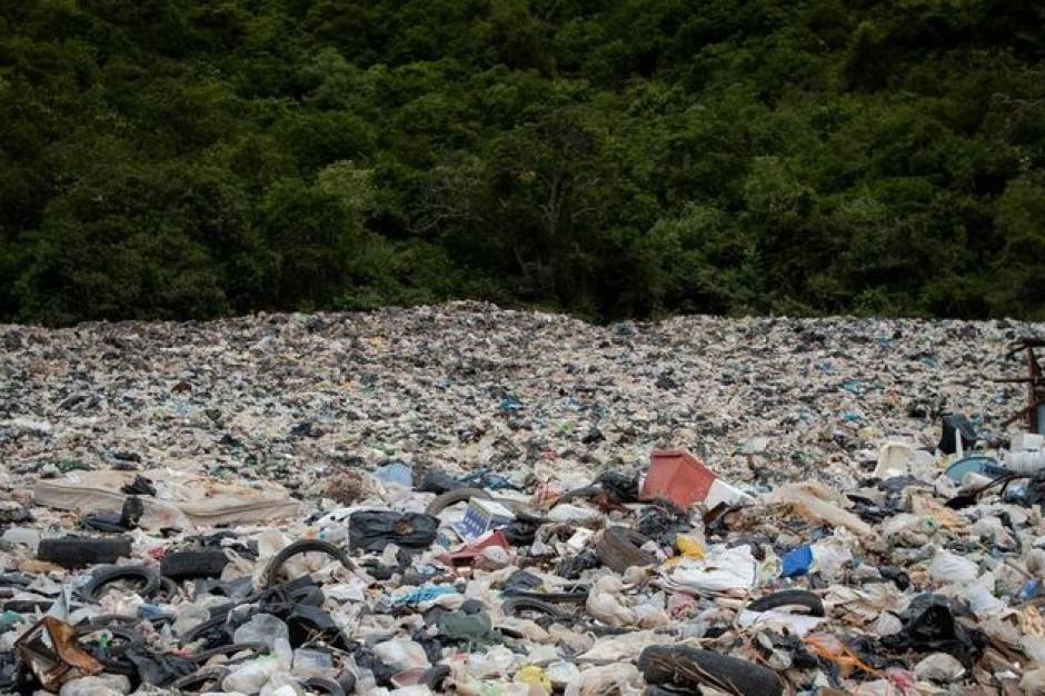 Łódzkie: Awaria instalacji do odbioru odpadów. Władze miasta biją na alarm