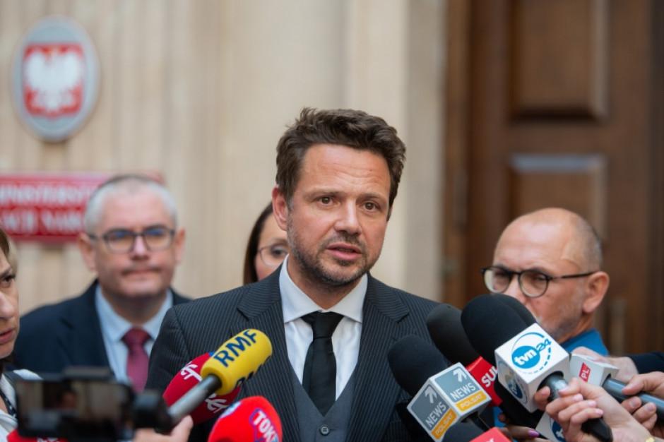 """Rafał Trzaskowski: """"500 plus we wrześniu, jak co miesiąc, Warszawa zrealizowała w 100 proc."""""""