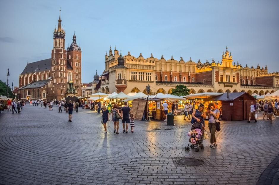 Weekend ze zdrowiem na krakowskim rynku. Mieszkańcy zbadają się ze darmo