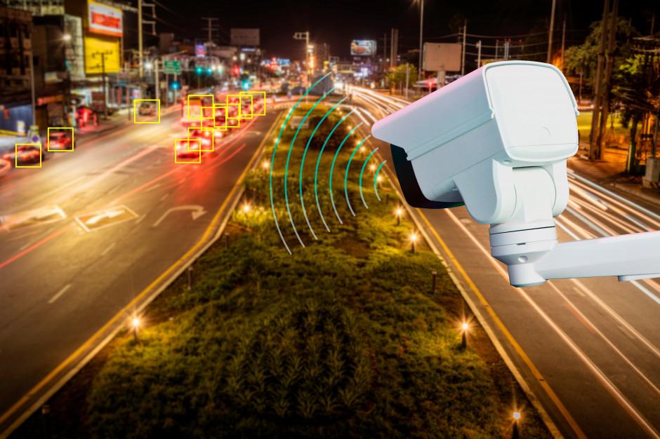Systemy monitoringu miejskiego są coraz bardziej inteligentne. To oznacza spore korzyści