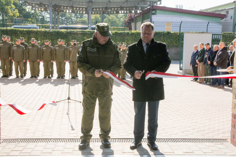 W otwarciu stacji uczestniczył wiceminister spraw wewnętrznych i administracji Jarosław Zieliński. (fot. podlaski.strazgraniczna.pl)