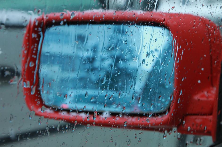 Wyrok sądu: Miasto odpowiada za zniszczenie samochodów podczas ulewy