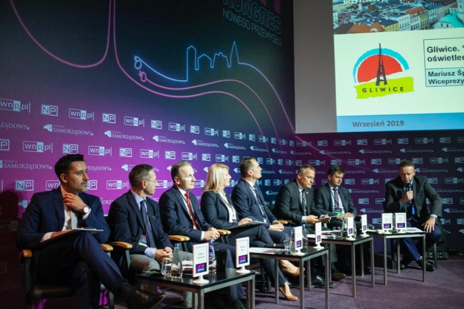 Zobacz całą debatę o smart cities na Forum Komulanym