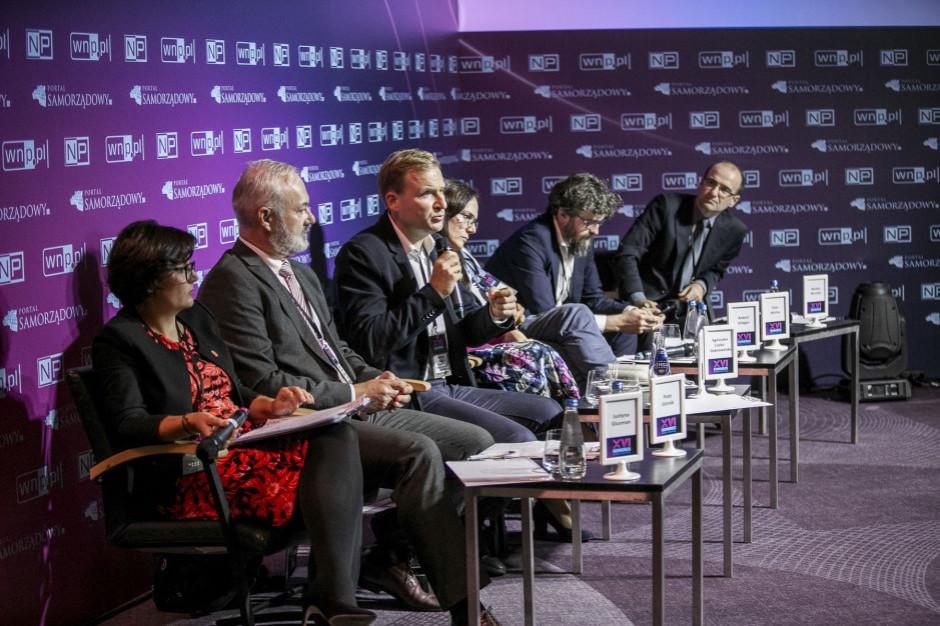 Zobacz całą debatę o smogu podczas Forum Komunalnego