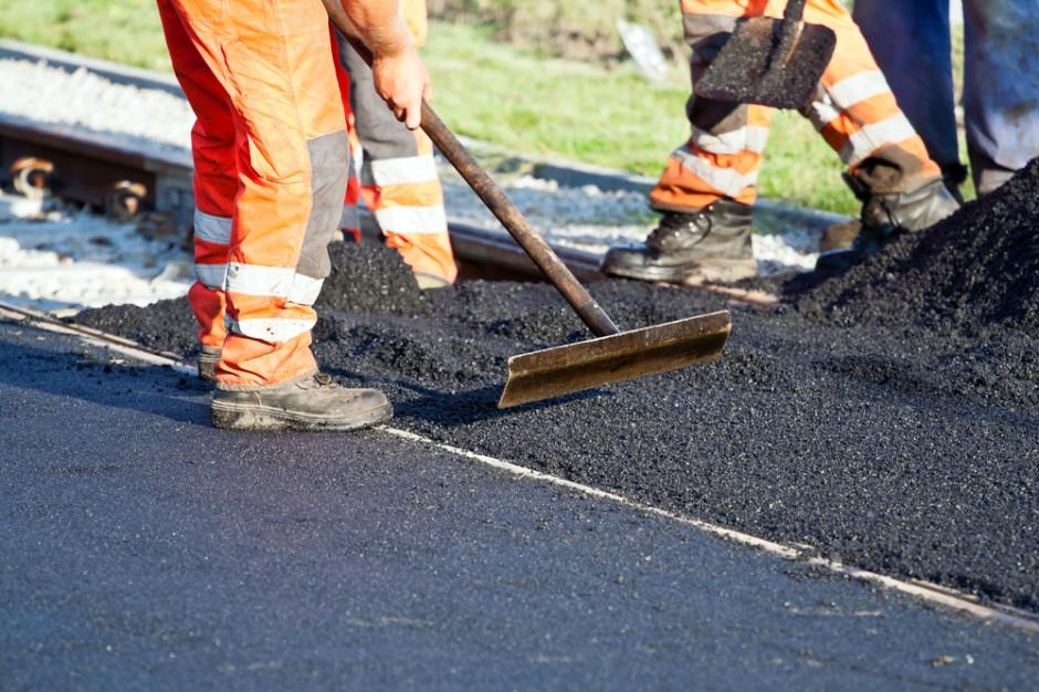 Minister Adamczyk: budowa obwodnic poprawi bezpieczeństwo na drogach
