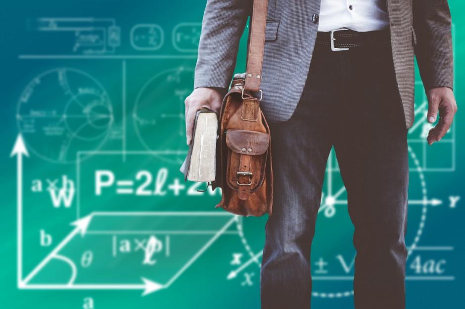 Karta nauczyciela chroni nierobów w szkołach?