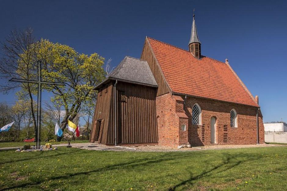 Ministerstwo Kultury i Dziedzictwa Narodowego pomoże w odbudowie spalonego kościoła w Orłowie