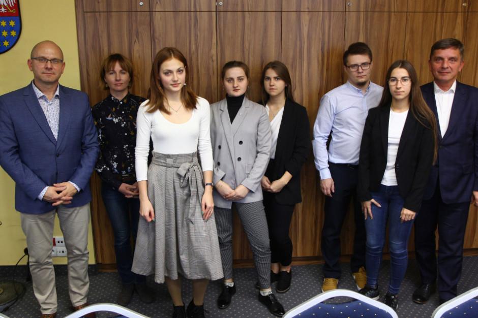 Młodzieżowy sejmik współtworzy strategię rozwoju województwa świętokrzyskiego