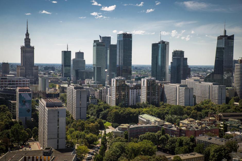 Dwie nowe referencyjne stacje monitoringu jakości powietrza w Warszawie i czujniki w gminach sąsiednich