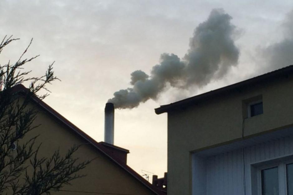Od piątku nowe, bardziej restrykcyjne normy alarmowania o smogu