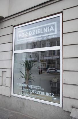 45 proc. badanych deklaruje, że zamiast kupić coś nowego stara się naprawić coś, co posiada (fot. podzielnia.pl)