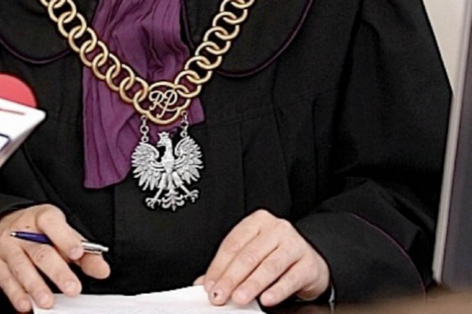 W Łomży ruszył proces b. dyrektorki szkoły oskarżonej o łapówki