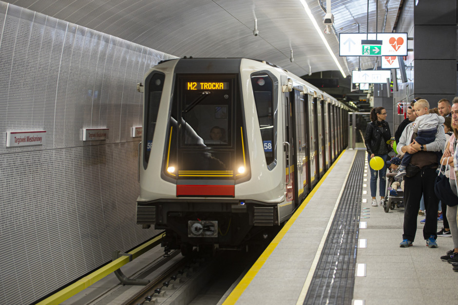 Milion więcej warszawiaków w metrze