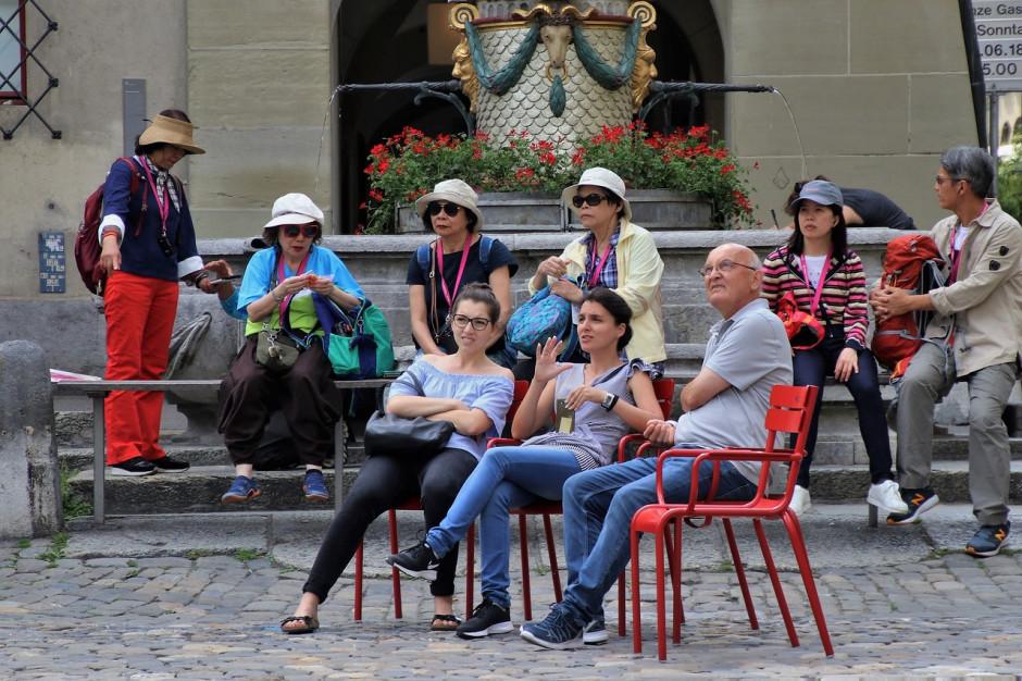 Miasta nie potrzebują turystów- szarańczy