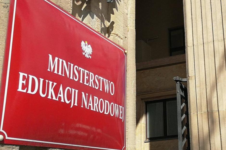 Minister edukacji rozmawia o wynagrodzeniach nauczycieli ze związkami zawodowymi