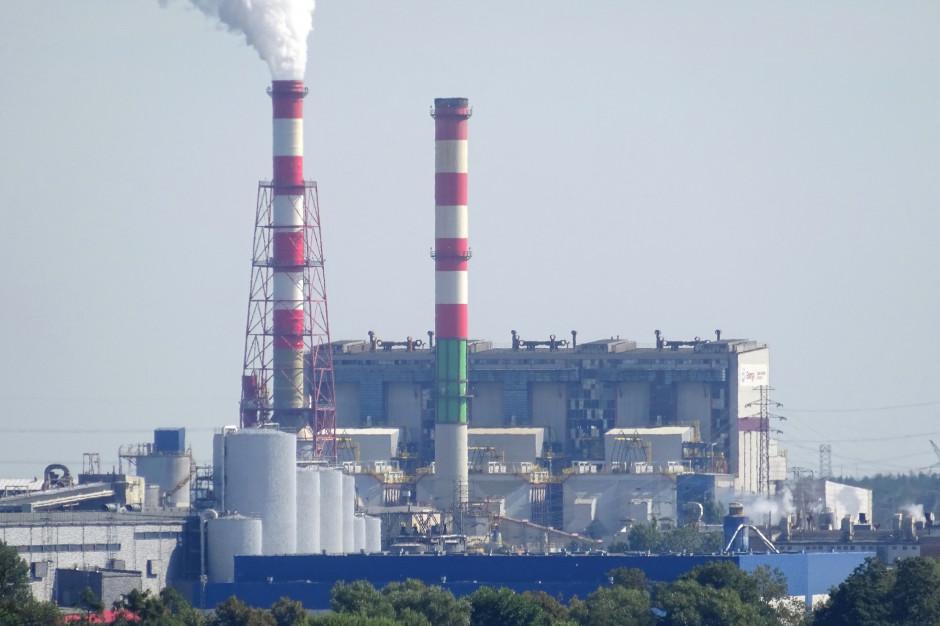Ostrołęka: wyciek oleju turbinowego z elektrowni do kanału uchodzącego do Narwi