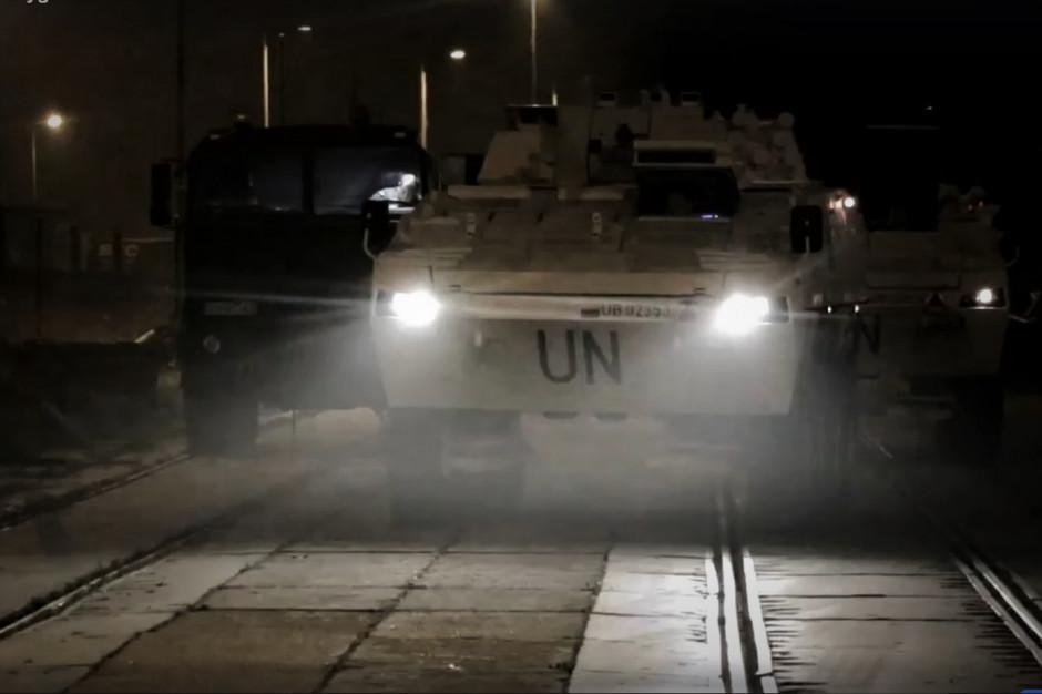 Misja w Libanie. W Szczecinie zakończył się załadunek pojazdów wojskowych