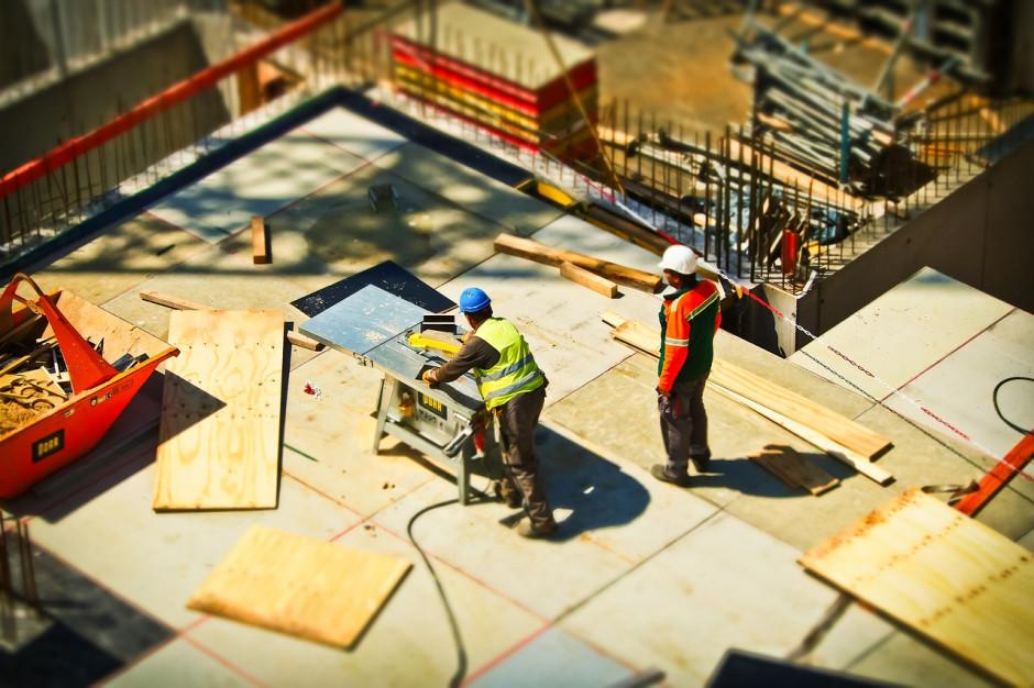 Pracodawcy: procedury i przewlekłość postępowań hamują zatrudnianie cudzoziemców