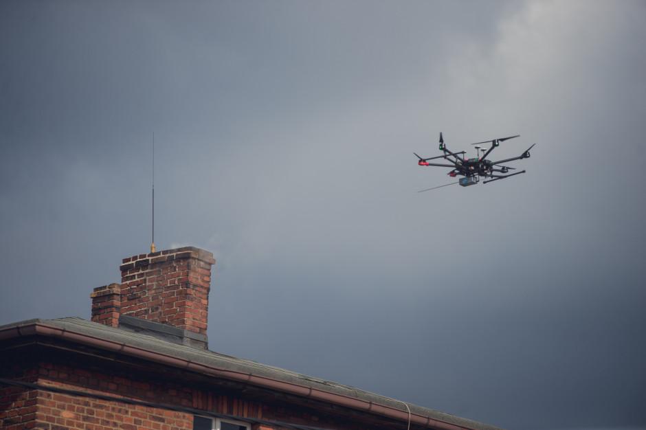 Dronem w smog. Powstał unikatowy dokument z wytycznymi dla samorządów