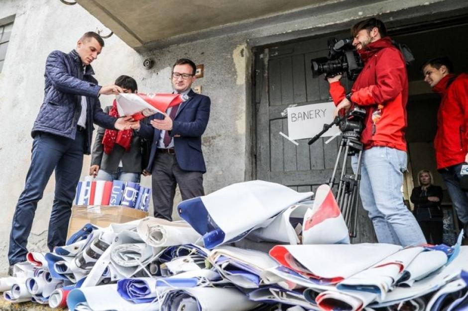 Małopolska: Zebrali ponad 400 wyborczych banerów. Będą z nich ekologiczne torby