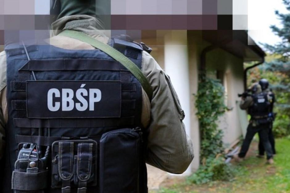 CBŚP: do stacji LPG trafiał tańszy gaz grzewczy zamiast napędowego – zatrzymano 11 osób (komunikat)