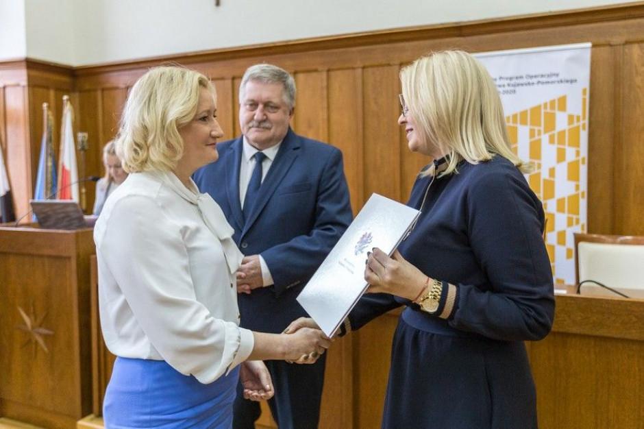 Kujawsko-pomorskie: instalacje OZE, przedsiębiorczość, żłobki z unijnym wsparciem