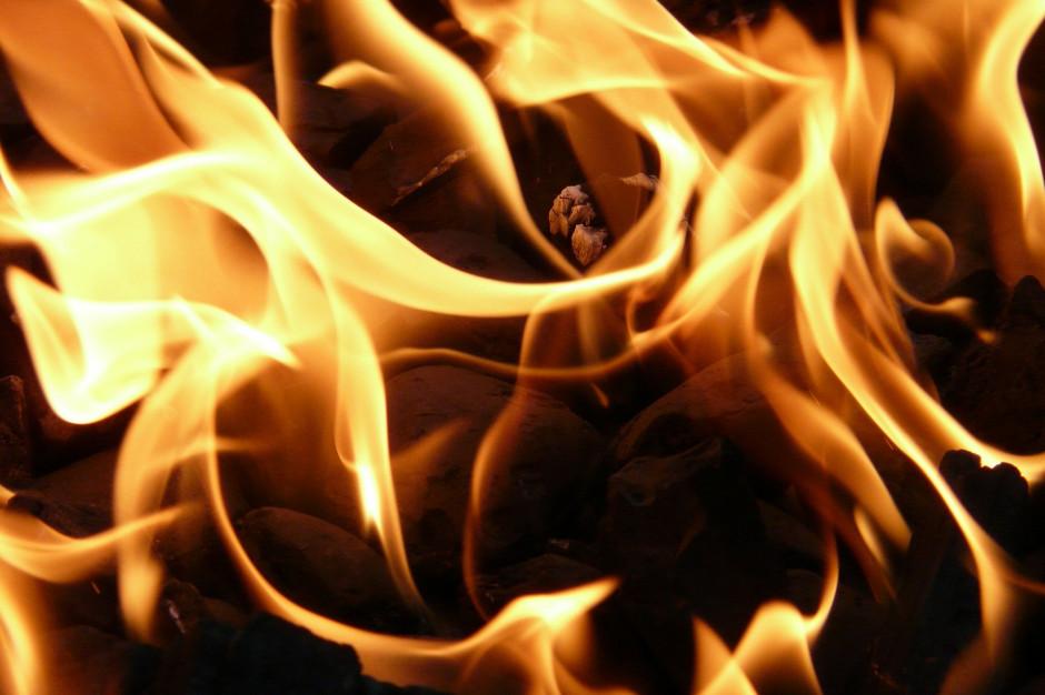 Pożar kamienicy w Inowrocławiu. Policja zatrzymała podejrzanego