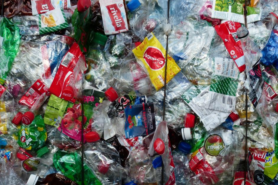 Raport GfK: Plastik większym problemem niż zmiany klimatu