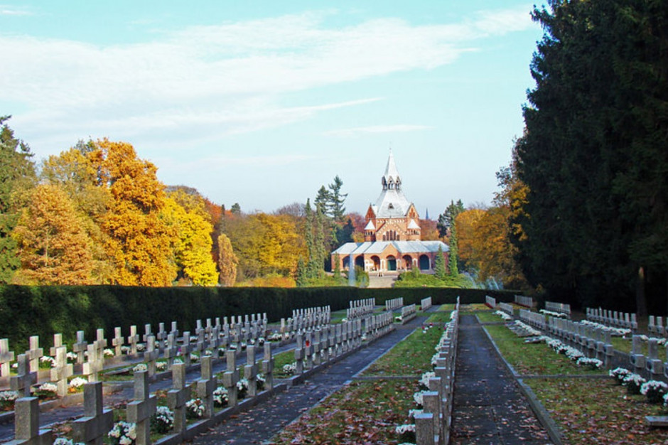 Ogromny park-nekropolia. Szczeciński cmentarz jest największy w Polsce