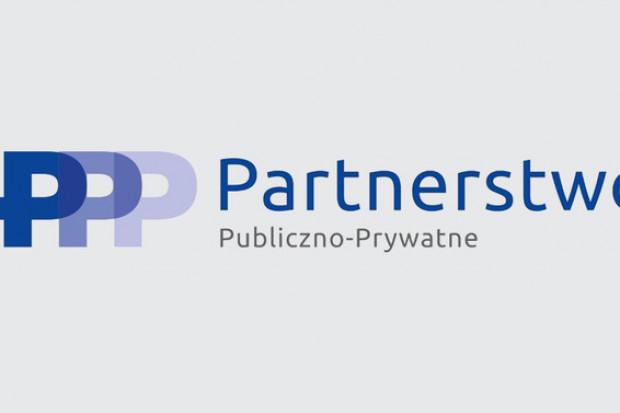 Ministerstwo zachęca do skorzystania z cyklu szkoleń e-learning z zakresu PPP (fot. miir.gov.pl)