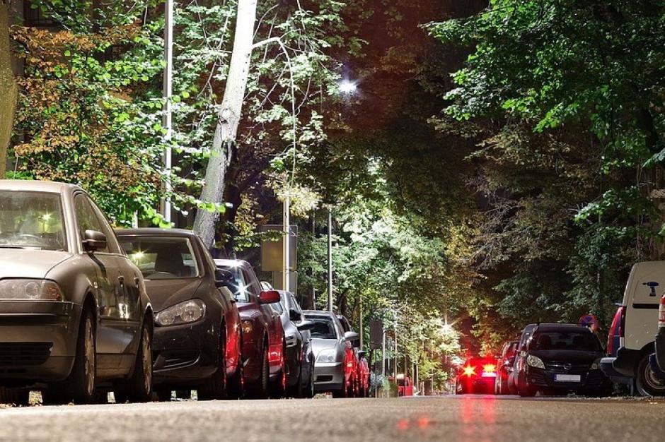 Warszawa: ostatnie konsultacje ws. rozszerzenia strefy płatnego parkowania