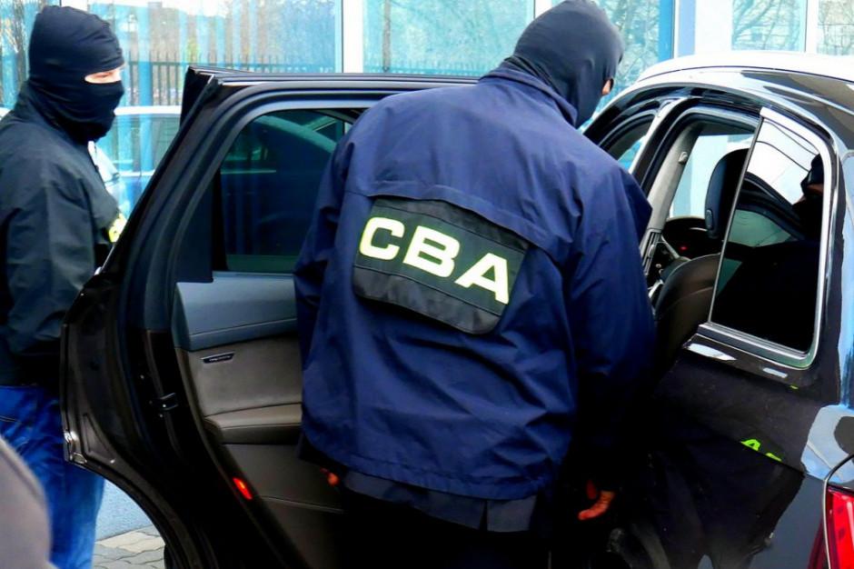 Prezes klubu siatkarskiego i były dziennikarz zatrzymani przez CBA. W tle finansowanie kampanii wyborczej