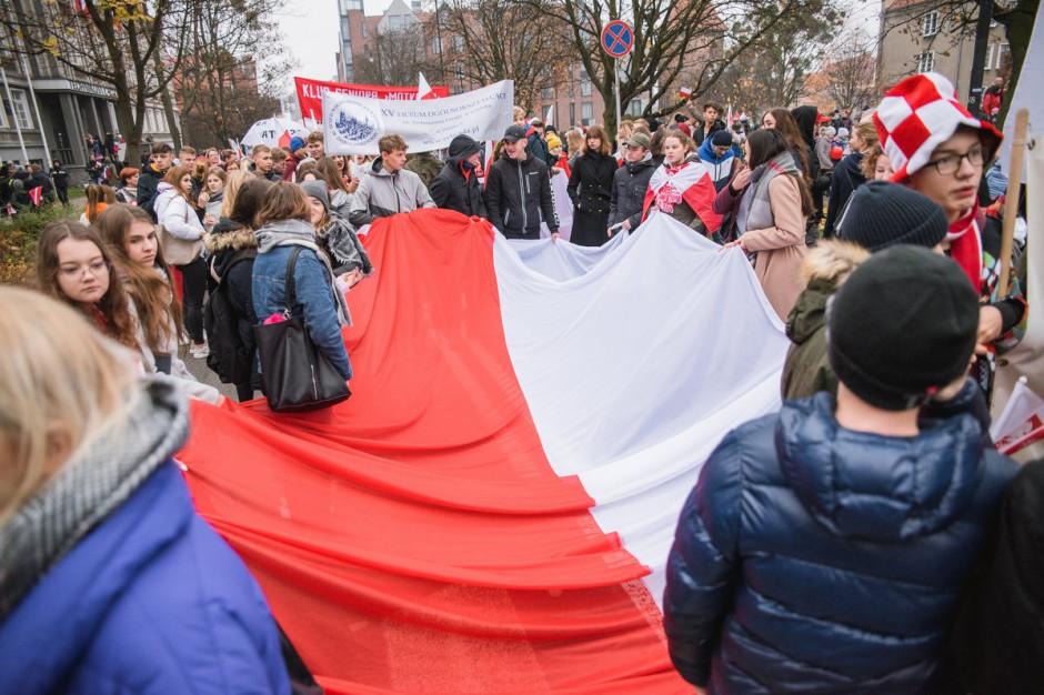 Parada Niepodległości w Gdańsku. Zasadzonych zostanie 101 drzew wiśni