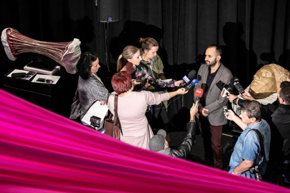 Tradycja i pop-art: Białostocka wystawa dotyka tematu wolności