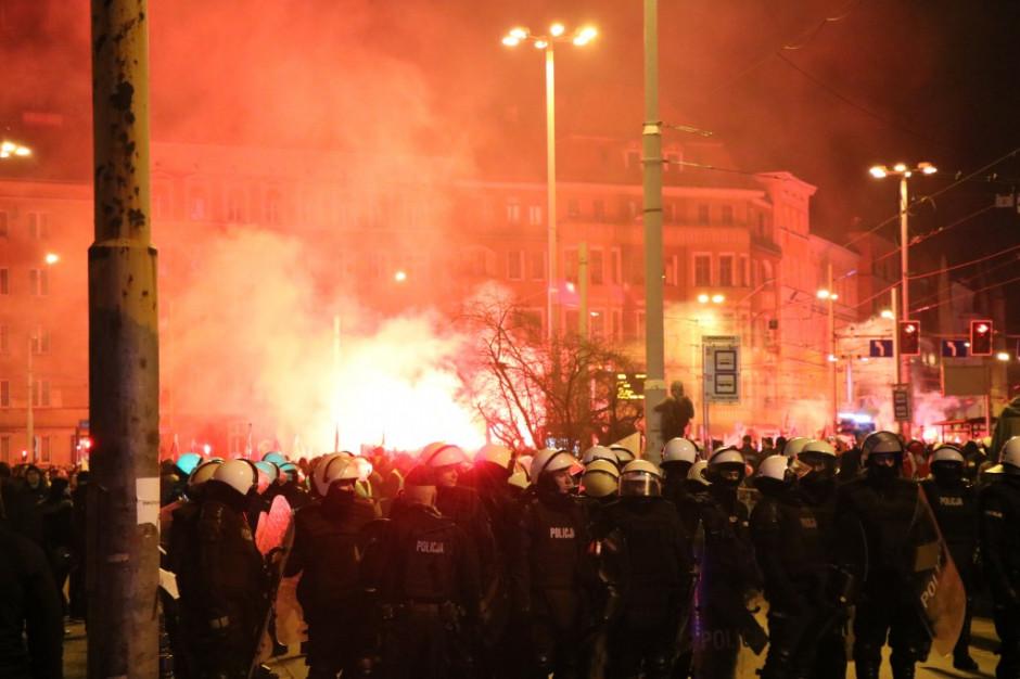 Wrocławska policja podsumowała Marsz Polaków: 14 zatrzymanych i 5 rannych