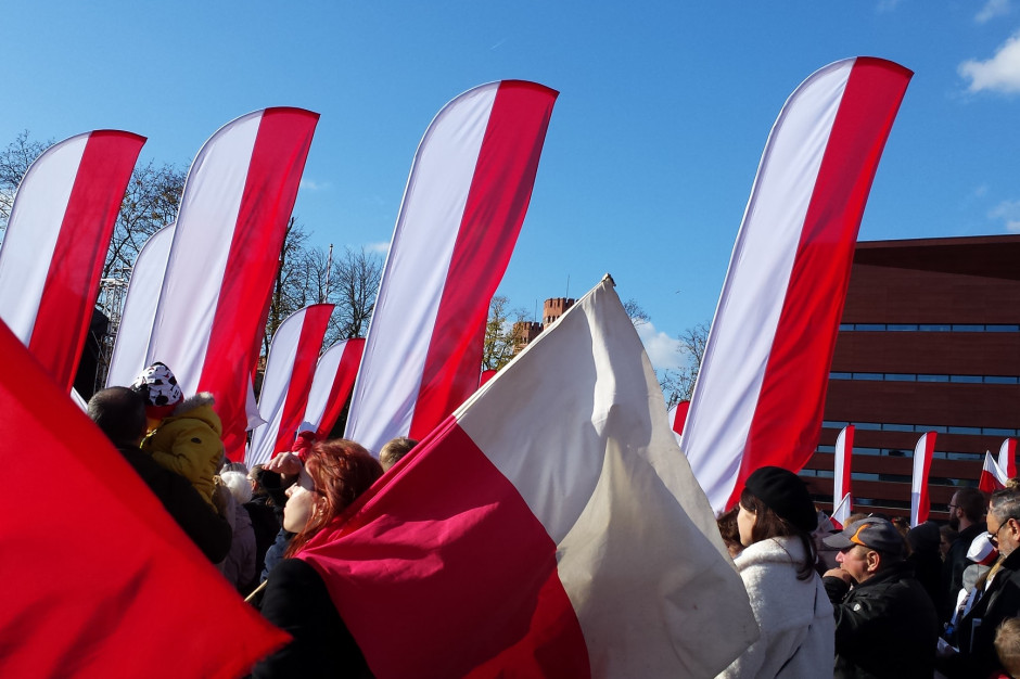 Prezydent Wrocławia: na szarganie polskiej flagi we Wrocławiu nie ma miejsca