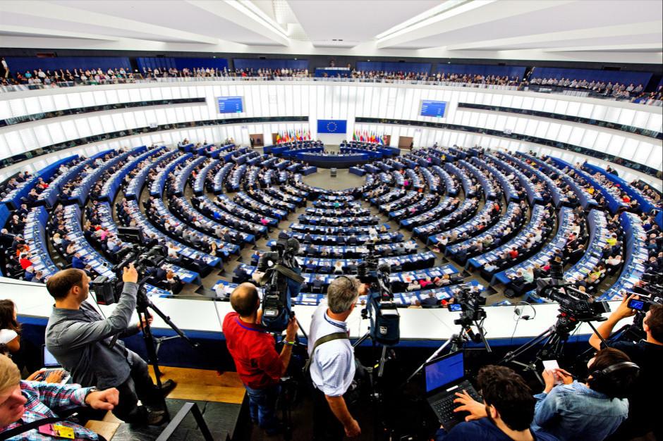 Parlament Europejski przyjął rezolucję krytykującą Polskę za projekt dotyczący edukacji seksualnej