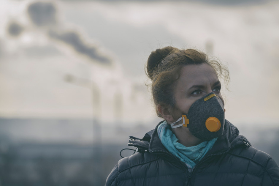 Drony, kamery, mobilne laboratoria - jak samorządy radzą sobie ze smogiem