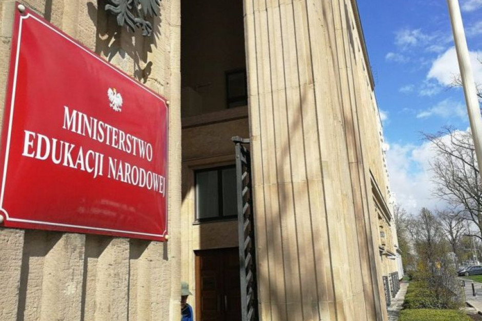 MEN odpowiada na rezolucję krytykującą Polskę za projekt ustawy o edukacji seksualnej