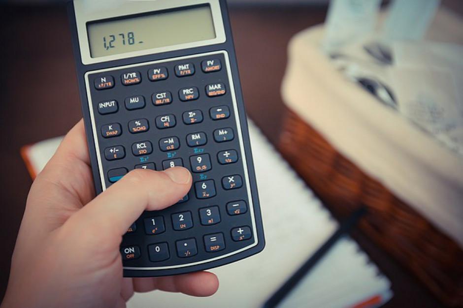 Likwidacja szkół, cięcia etatów, podwyżki czynszów... Samorządy szukają oszczędności