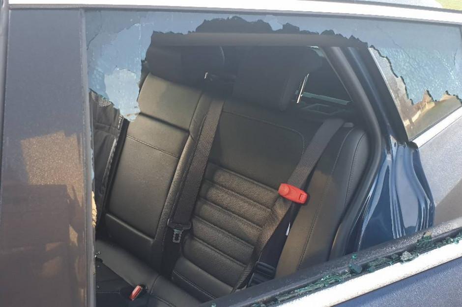 Policja w Radomiu szuka sprawcy zniszczenia auta radnej Koalicji Obywatelskiej
