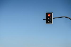 Warszawa rozpoczęła budowę sygnalizacji świetlnej wzdłuż alei KEN