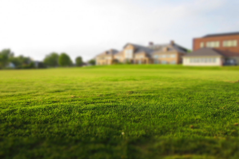 Gminy przekazują coraz więcej terenów pod budownictwo mieszkaniowe. Komu?