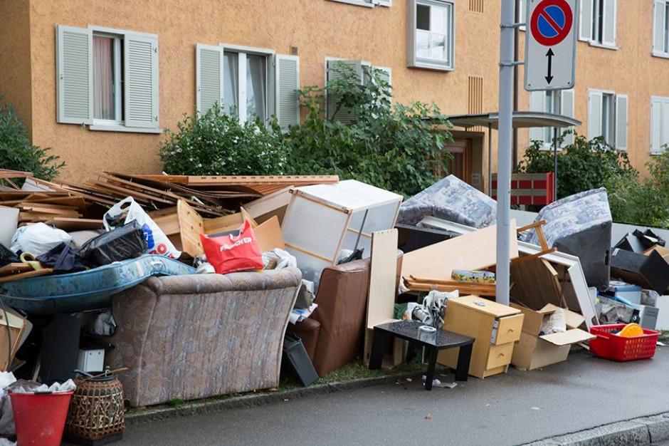 Drugie życie odpadów wielkogabarytowych. Warszawa daje przykład