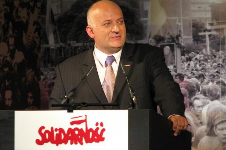 Radny PiS donosi do CBA ws. marszałka Senatu